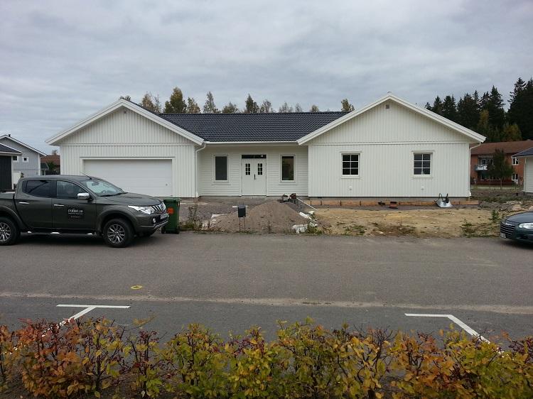 Tillbyggnad och bygga garaget i Motala Stanek